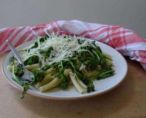 Těstoviny s divokou brokolicí